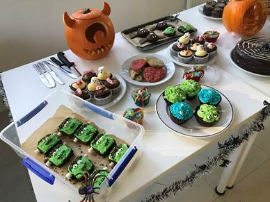 Spooky snacks sold on Halloween to raise money for No5!